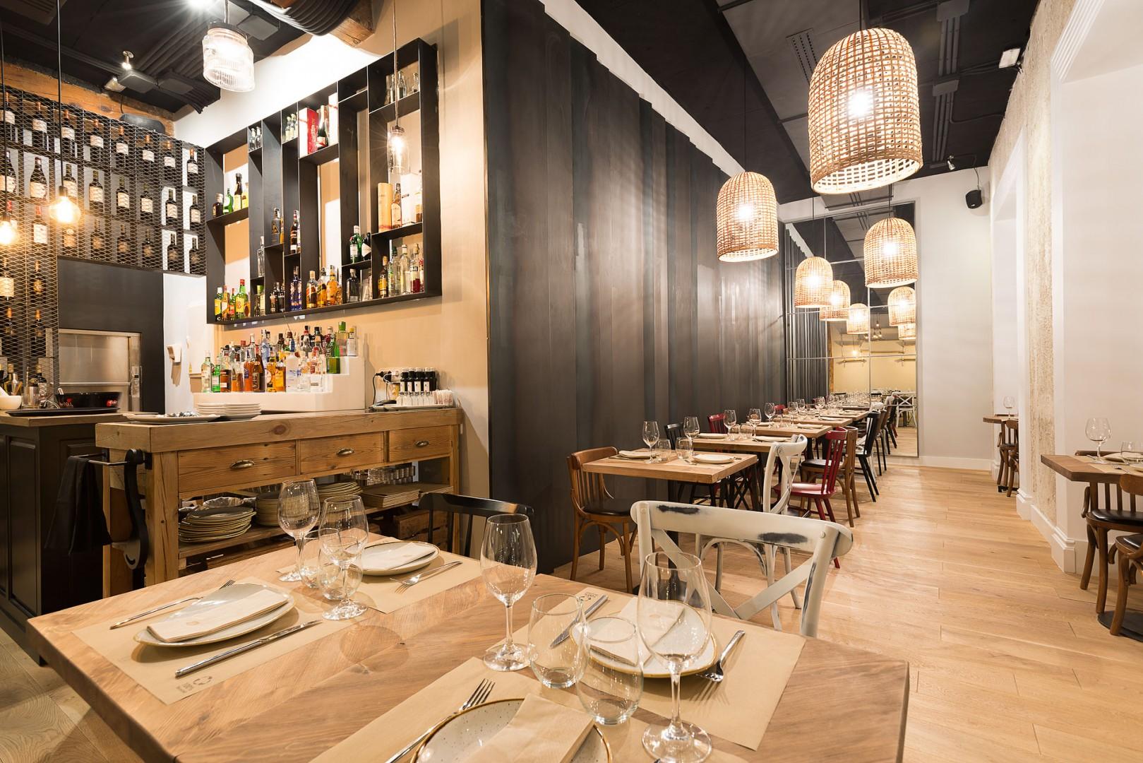 Serafina cocina bar for Cocinas de restaurantes modernos